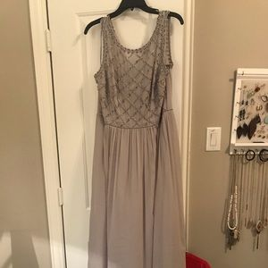Formal bridal gown (full length - worn once)